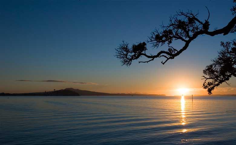 Rangitoto-Sunrise,-Auckland