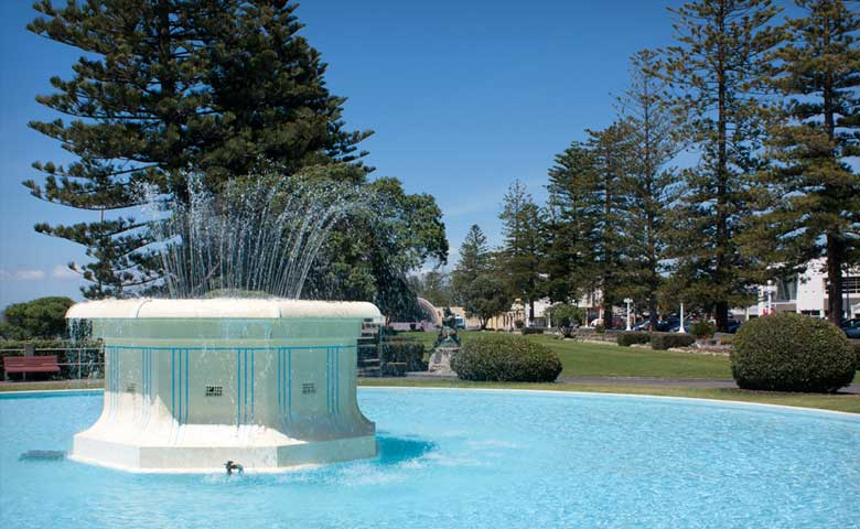 Tom_Parker-_Fountain_Napier_Hastings_North_Island2